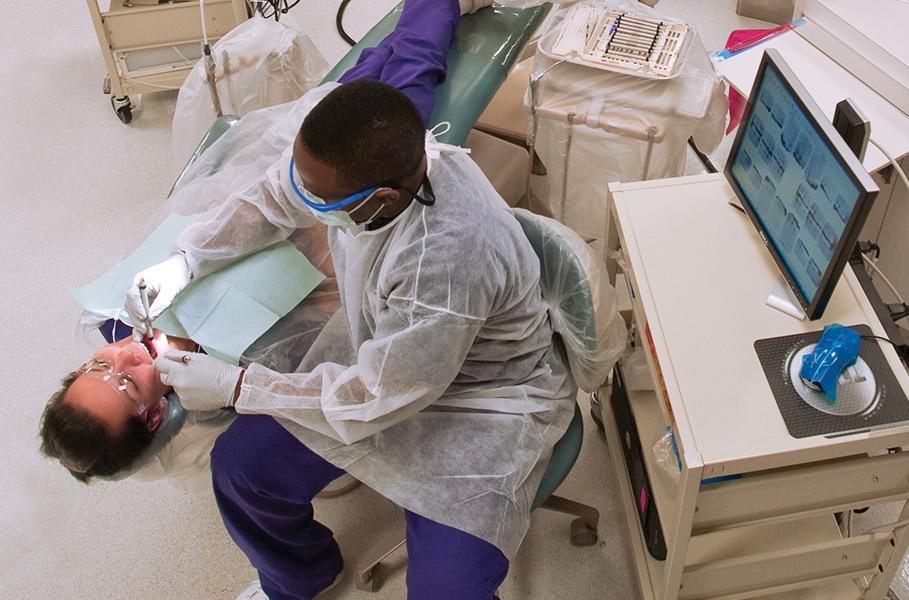 Dental lab at the Lake Worth campus