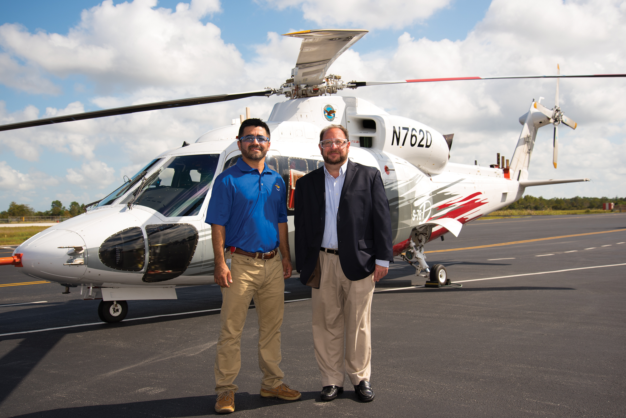 Edwin Carranza (left) and John Fischetti in front of the S-76D™ helicopter